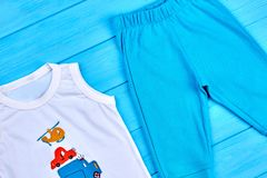 Vestiti di estate del cotone del neonato Immagini Stock