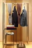 Vestiti ed accessori di inverno per gli uomini Fotografie Stock