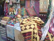 Vestiti nel mercato del hippy di Las Dalias, Ibiza Immagini Stock