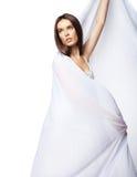 Vestito bianco da portare dalla donna romantica isolato Fotografie Stock Libere da Diritti