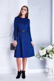 Vestito blu da bello della donna dell'abbigliamento modo alla moda sexy del catalogo Fotografia Stock Libera da Diritti