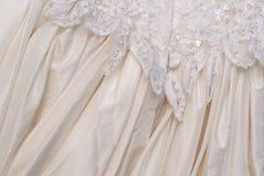 Vestito da cerimonia nuziale - particolare di retrovisione Fotografia Stock
