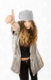 Vestito da inverno per una ragazza positiva fotografia stock libera da diritti