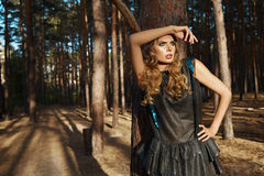 Vestito da sole sexy dei capelli biondi di estate della ragazza della bella donna Fotografia Stock Libera da Diritti