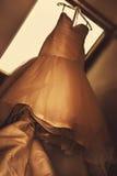 Vestito da sposa grazioso fotografia stock libera da diritti