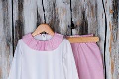 Vestito del pigiama per la ragazza del bambino Immagini Stock Libere da Diritti