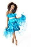 Vestito di modello femminile africano da Wearing Turquoise Feathered, integrale fotografie stock libere da diritti