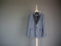 Vestito moderno di stile per l'uomo di affari Immagine Stock