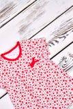 Vestito stampato sveglio da estate della neonata Immagini Stock