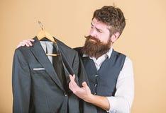 Vestito su ordinazione elegante Adattamento e progettazione dei vestiti Perfezioni la misura Su ordine per misurare Concetto del  fotografie stock libere da diritti