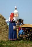 Vestuários brilhantes de camponeses do russo imagens de stock royalty free