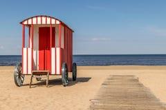 Vestuario de la choza tradicional vieja de la playa en la playa fotografía de archivo libre de regalías