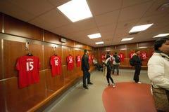Vestuario en el estadio viejo de Trafford fotos de archivo