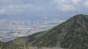 Vesuvio e bella città immagini stock libere da diritti