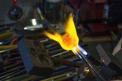 Vetee en el fuego Imagenes de archivo