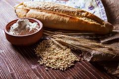 Vetekorn, mjöl och bröd Royaltyfri Fotografi