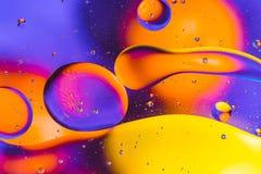 Vetenskaplig bild av cellmembranet Makro upp av vätskevikter Abstrakt molekylatomsctructure vatten för bubblor för bakgrundsbad b Royaltyfria Bilder