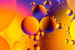 Vetenskaplig bild av cellmembranet Makro upp av vätskevikter Abstrakt molekylatomsctructure vatten för bubblor för bakgrundsbad b Fotografering för Bildbyråer