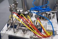 Vetenskaplig utrustning i ett nytt laboratorium Arkivfoto