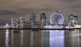 Vetenskapsvärld på False Creek, i stadens centrum Vancouver Fotografering för Bildbyråer