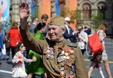 Veteran av det stora patriotiska kriget Yevgeny Shalashnikov på röd fyrkant under berömmen av Victory Day på röd fyrkant Fotografering för Bildbyråer
