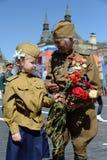 Veteran av det stora patriotiska kriget Yevgeny Shalashnikov på röd fyrkant under berömmen av Victory Day på röd fyrkant in Royaltyfria Foton