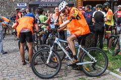 Veterane der ukrainischen Armee nahmen am Radfahrenrennen Thr teil stockfotos
