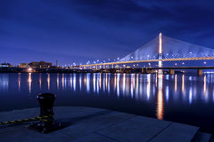 Veteranen-Glasstadt Skyway-Brücke Stockbilder