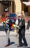 Veterano anziano in via della città sulla vittoria Fotografia Stock Libera da Diritti