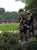Veteranos de Vietname memoráveis em Washington D C da distância, 2008 imagens de stock royalty free