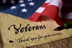 Veteranos del texto que usted para su servicio foto de archivo libre de regalías