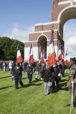 Veteranos franceses que marchan en el 96.o aniversario de la batalla o Foto de archivo libre de regalías