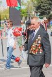 Veteranos não identificados durante a celebração de Victory Day. MINUTO Fotos de Stock Royalty Free