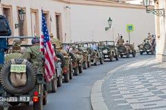 Veteranos y jeeps americanos Imágenes de archivo libres de regalías