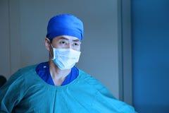Veterinär- kirurgi i operationrum Fotografering för Bildbyråer