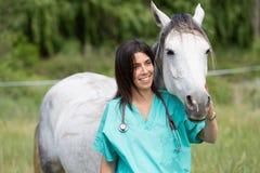Veterinary на ферме Стоковые Фотографии RF