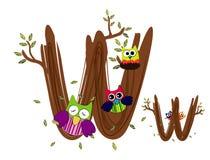 Vetor de madeira da coruja de W da letra Fotografia de Stock Royalty Free