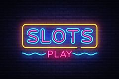 Vetor do sinal de néon do jogo dos entalhes Sinal de néon do molde do projeto de slot machine, bandeira clara, quadro indicador d ilustração stock