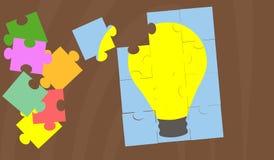Vetor que mostra a descoberta de uma solução como um enigma de serra de vaivém Imagens de Stock Royalty Free