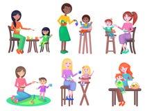 Vetores lisos das crianças felizes das alimentações das mães ajustados ilustração do vetor