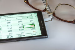 Vetri, blocco note e Smart Phone Fotografia Stock
