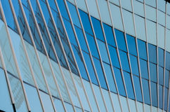 Vetri che costruiscono, progettazione della curva di Achitecture Fotografia Stock Libera da Diritti