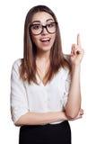 Vetri d'uso della donna di affari che indicano su isolato su bianco immagini stock libere da diritti