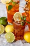 Vetri del tè di ghiaccio Immagine Stock