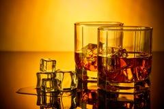 Vetri del whiskey con ghiaccio Fotografia Stock Libera da Diritti