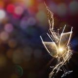 Vetri di champagne con spruzzata Fotografia Stock Libera da Diritti