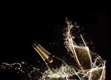 Vetri di champagne con spruzzata Immagini Stock Libere da Diritti