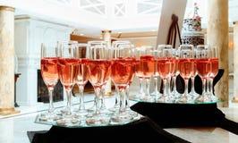 vetri di champagne con una grande profondità di campo Fotografie Stock Libere da Diritti