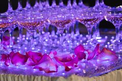 Vetri di champagne Piramide dei bicchieri di vino Fotografie Stock