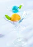 Vetri di cocktail eleganti con gelato italiano Fotografie Stock